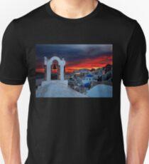 Oia sunset Unisex T-Shirt