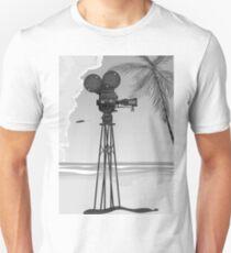 Old Movie time vintage film camera T-Shirt