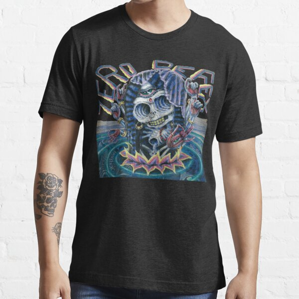Zero Defex Caught in a Reflection Essential T-Shirt