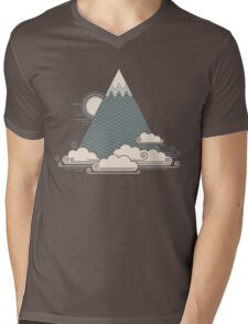 Cloud Mountain Mens V-Neck T-Shirt