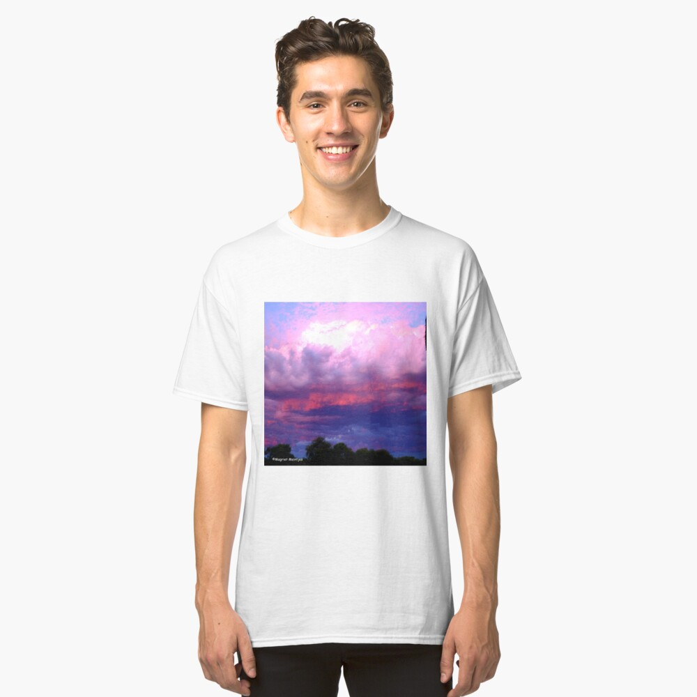 CLOUDS ON FIRE Classic T-Shirt