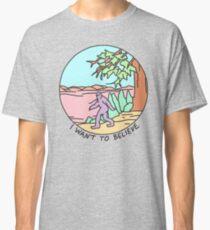i want to believe bigfoot yeti alien occult ufo strange xfiles print Classic T-Shirt