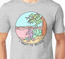 i want to believe bigfoot yeti alien occult ufo strange xfiles print Unisex T-Shirt