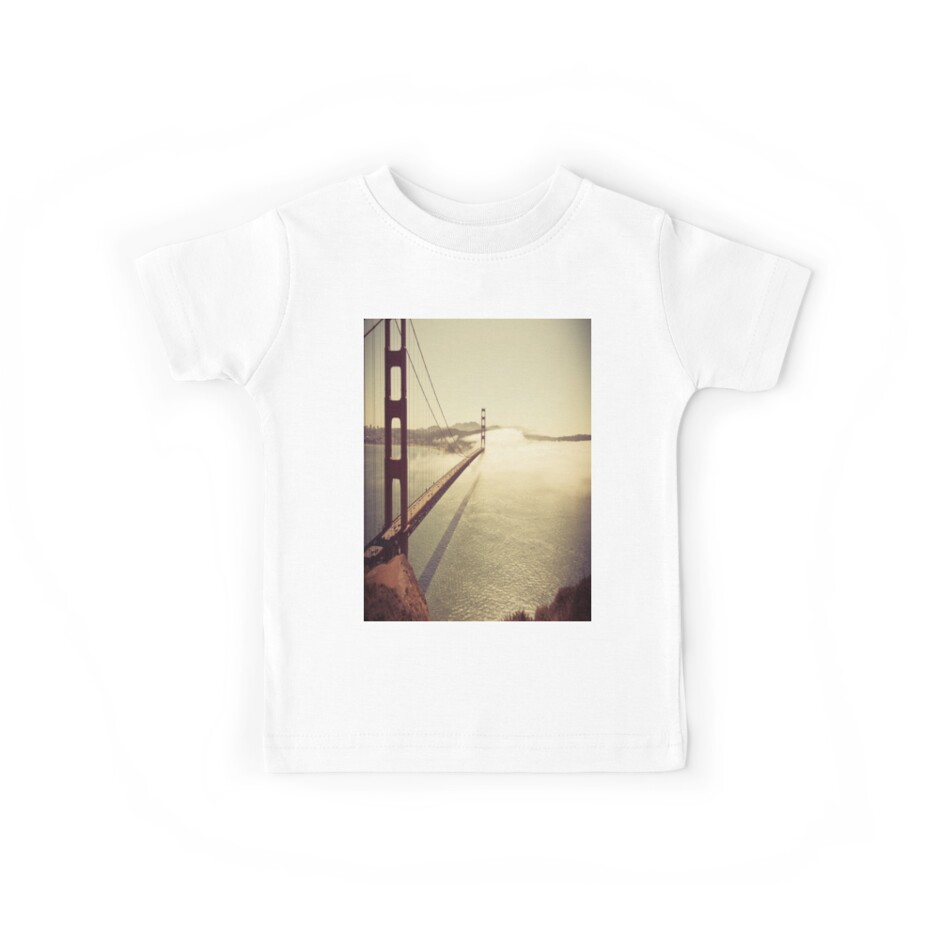 San Francisco Golden Gate Bridge T-Shirt by Hypedsn