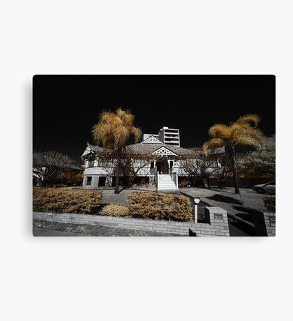 West end mansion Canvas Print