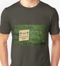 airport sign T-Shirt