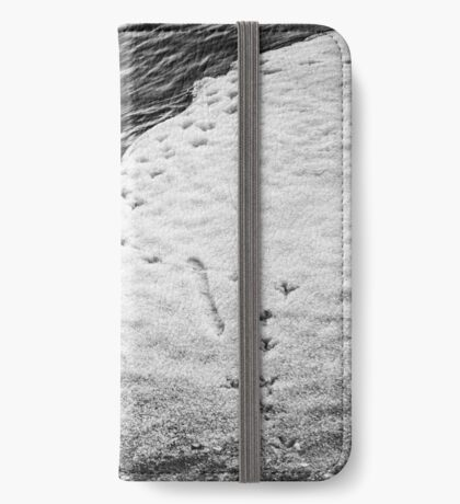 Footprints - Flipped horizontal - Black (iPhone wallet) iPhone Wallet