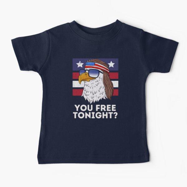 Eres libre esta noche, divertido salmonete patriótico águila calva Camiseta para bebés