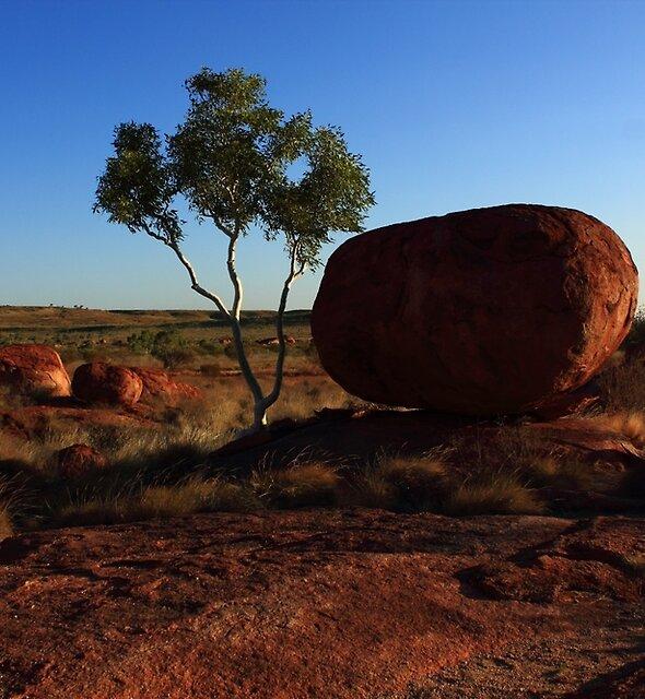 Karlu Karlu (Northern Territory, Australia) by Carol James