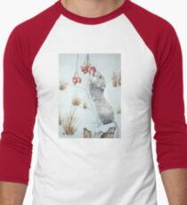 Cute mouse and red berries snow scene wildlife art   T-Shirt