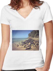 Little Cove Beach, Noosa, Australia Women's Fitted V-Neck T-Shirt