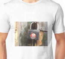 Chinese lock Unisex T-Shirt