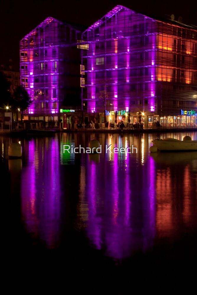 Building of light by Richard Keech