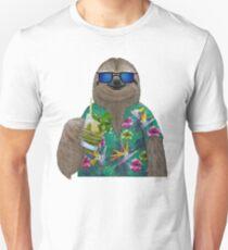 Sloth on summer holidays drinking a mojito T-Shirt