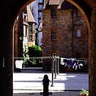 Well Court entrance by smcneem