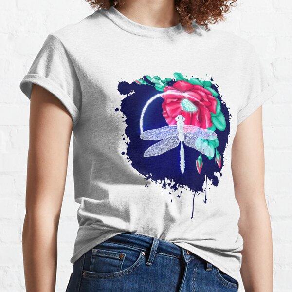 Full bloom | Dragonfly loves roses Classic T-Shirt