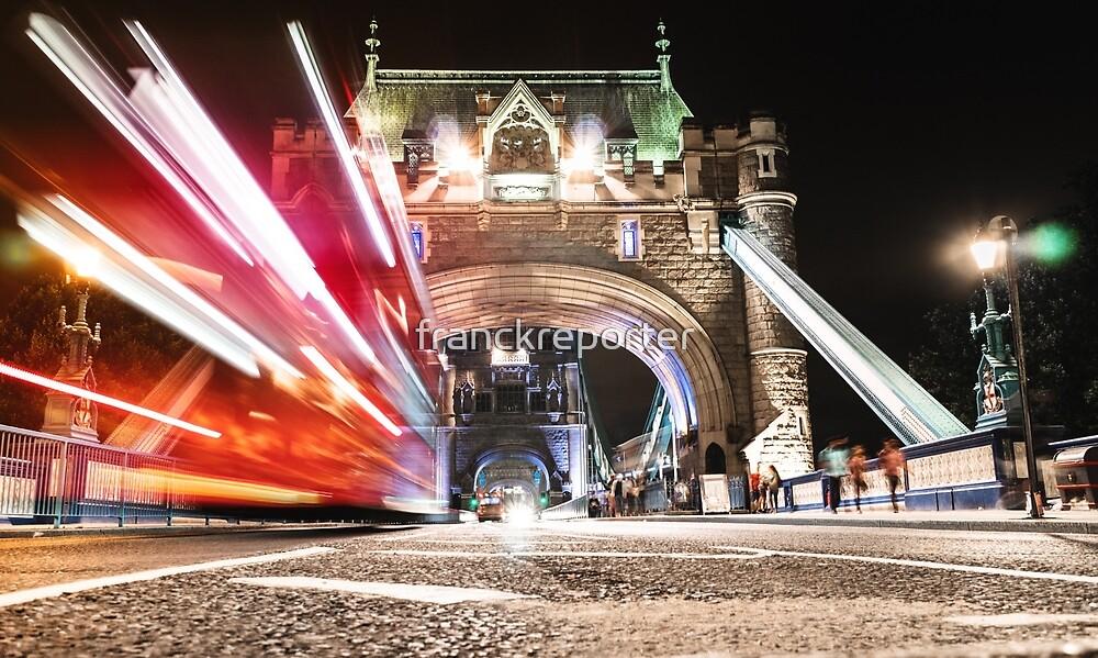 tower bridge on motion by franckreporter