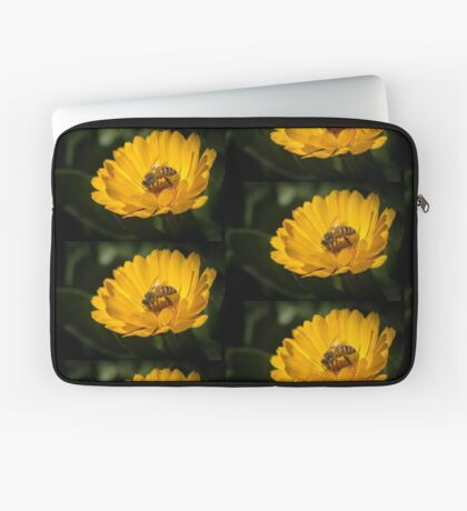 A Very Busy Bee Laptop Sleeve