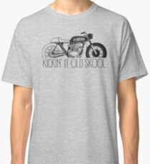 KICKIN IT OLD SKOOL (cafe) Classic T-Shirt