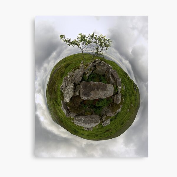 Tomb: Croaghbeg Court Tomb, Shalwy Valley, Donegal Canvas Print