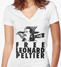 Free Leonard Peltier Women's Fitted V-Neck T-Shirt