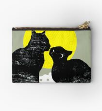 the kiss Studio Pouch