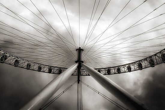 The Eye and the Sky by Flavio Ronco