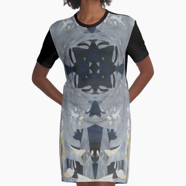Broad Strokes in Sintra Graphic T-Shirt Dress