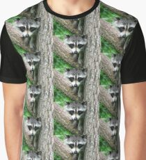 RACCOON PORTRAIT WITH PAWS & CLAWS  Graphic T-Shirt