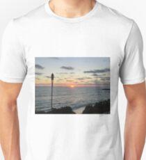 Mid -Summer Tiki Set Unisex T-Shirt