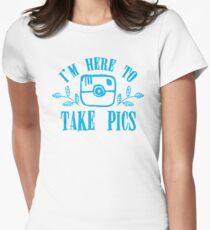 I'm here to take pics T-Shirt
