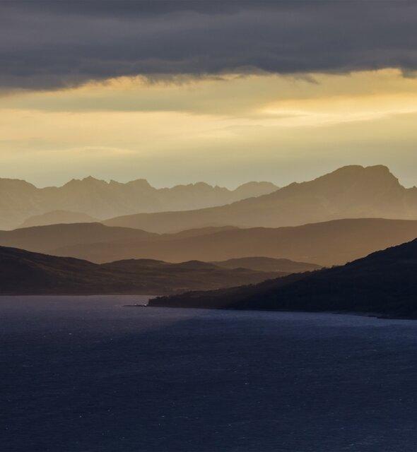 Isle of Skye Sunset by derekbeattie