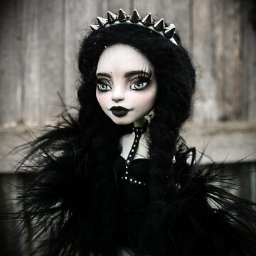 Gothic doll by ElvairaDevians