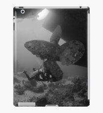 Wreck Propeller Diver iPad Case/Skin