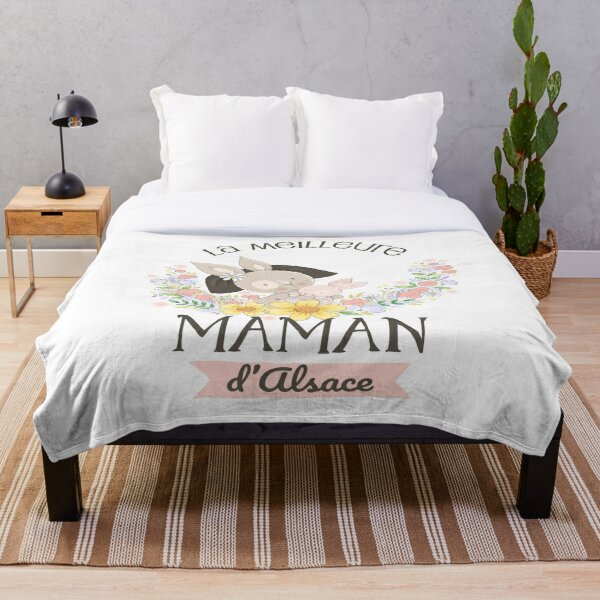 The best mom in Alsace Throw Blanket