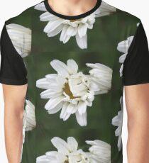 Daisy Kisses Graphic T-Shirt