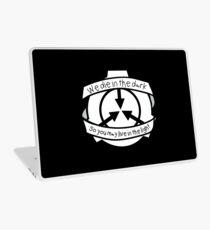 Die in the dark: Black and White Laptop Skin