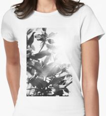 Sunny leaves Women's Fitted T-Shirt