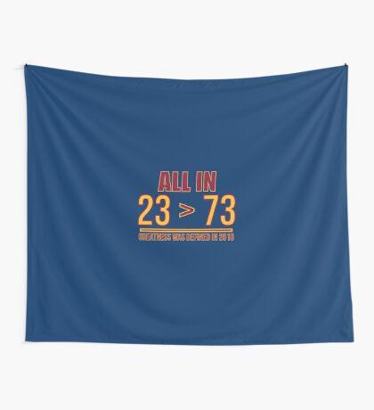 23 ist größer als 73 Wandbehang
