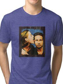 Gillian licks David's face Tri-blend T-Shirt