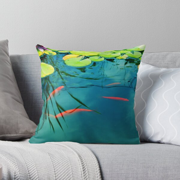 plaisir aquatique Throw Pillow