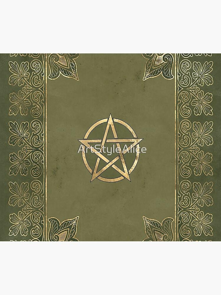 Yule pentagram by ArtStyleAlice