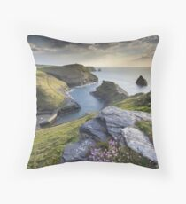 Cornwall : Boscastle Harbour Throw Pillow