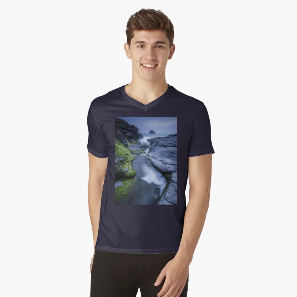 Cornwall- Trebarwith Strand Blues V-Neck T-Shirt