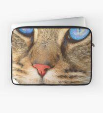blue eyed cat Laptop Sleeve