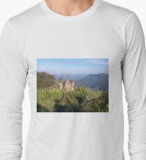 Three Sisters, Blue Mountains, Australia Long Sleeve T-Shirt