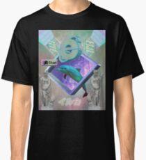 Vaporwave dolphin explores the Internet Classic T-Shirt