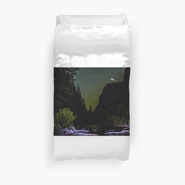 Meteor Shooting Over King's Canyon Stream Duvet Cover
