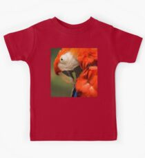 Red Parrot, the Scarlet Macaw – portrait Kids Tee