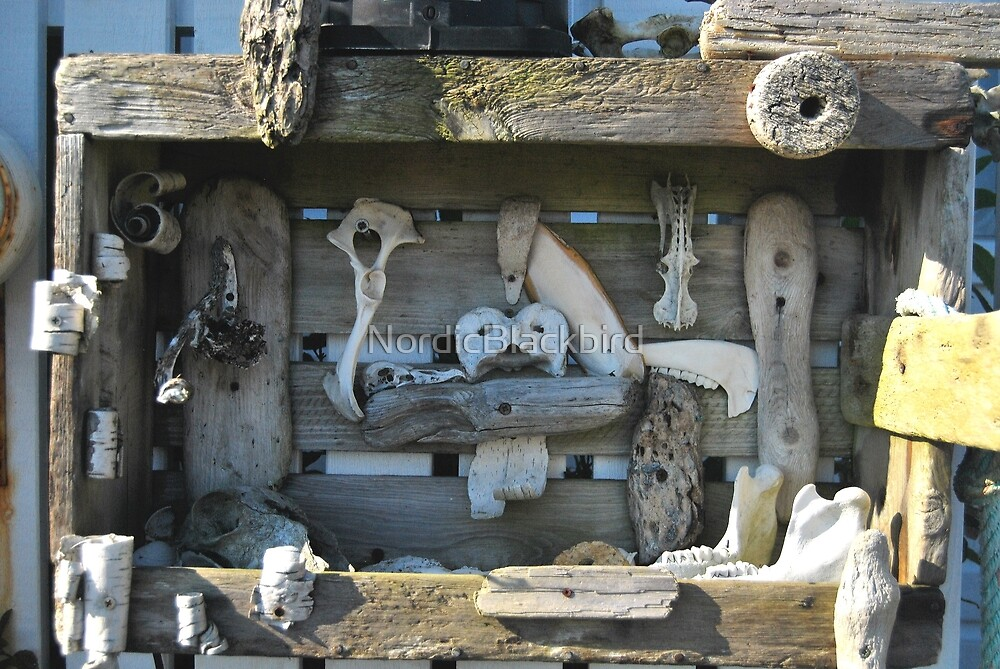 treasure chest by NordicBlackbird